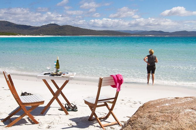 4x4 and Lunch Full Day Freycinet and Wineglass Bay - Tourism Brisbane