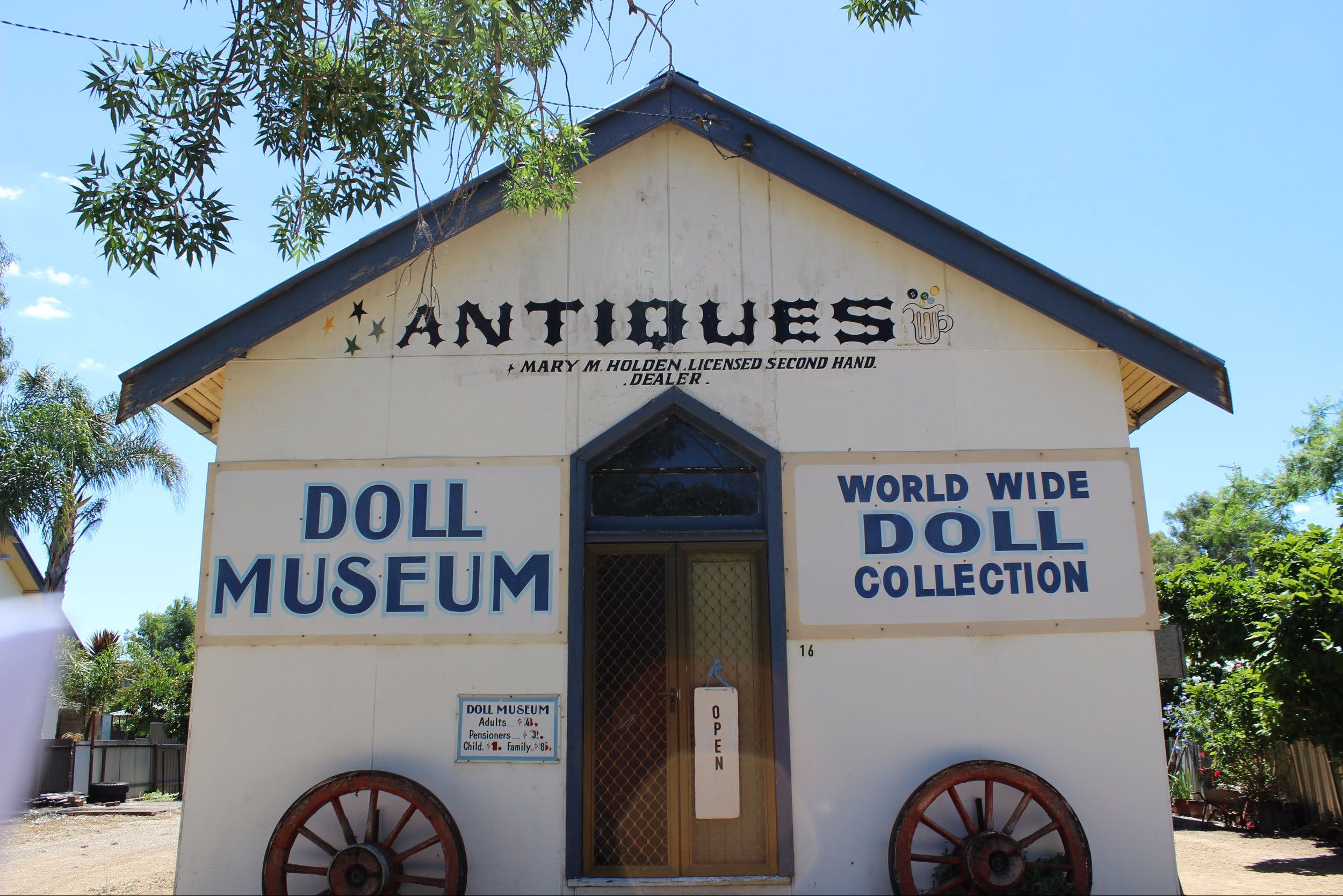 Gerogery Doll Museum - Tourism Brisbane