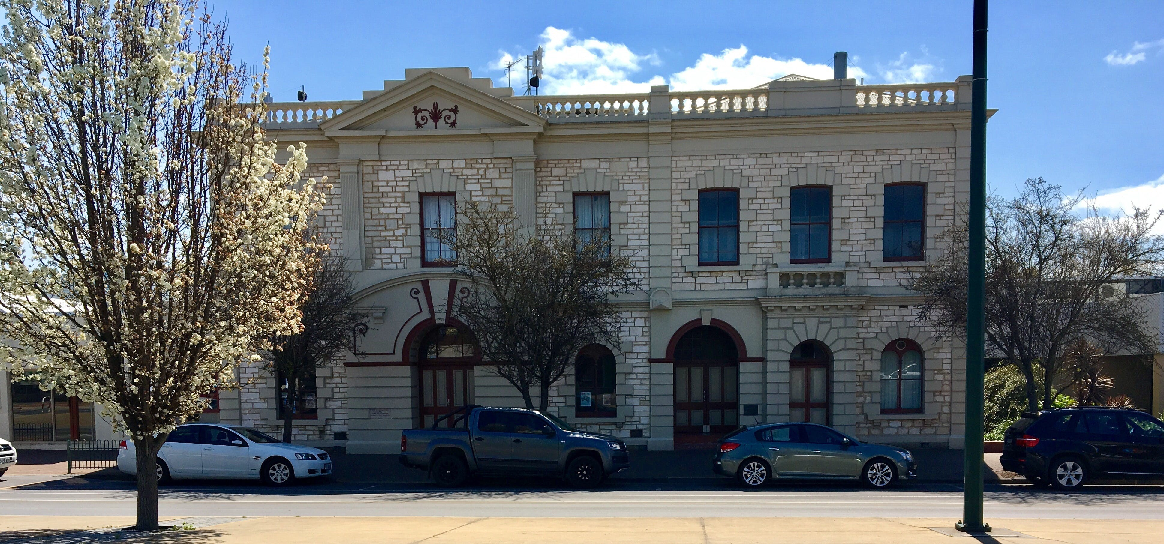 Naracoorte Town Hall - Tourism Brisbane