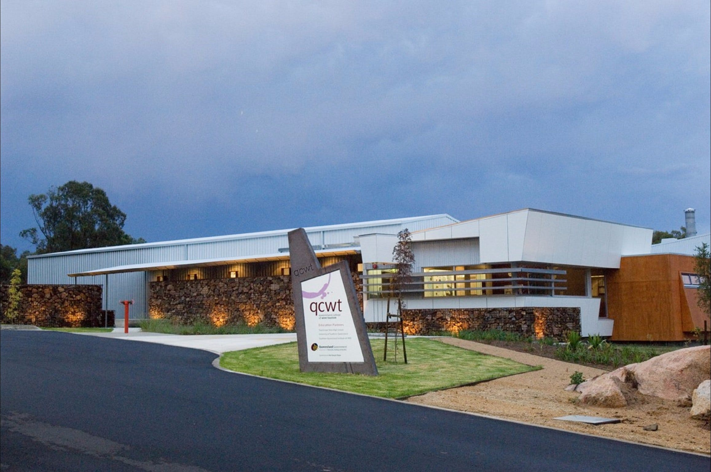 Varias Restaurant and Function Centre at the Queensland College of Wine Tourism - Tourism Brisbane