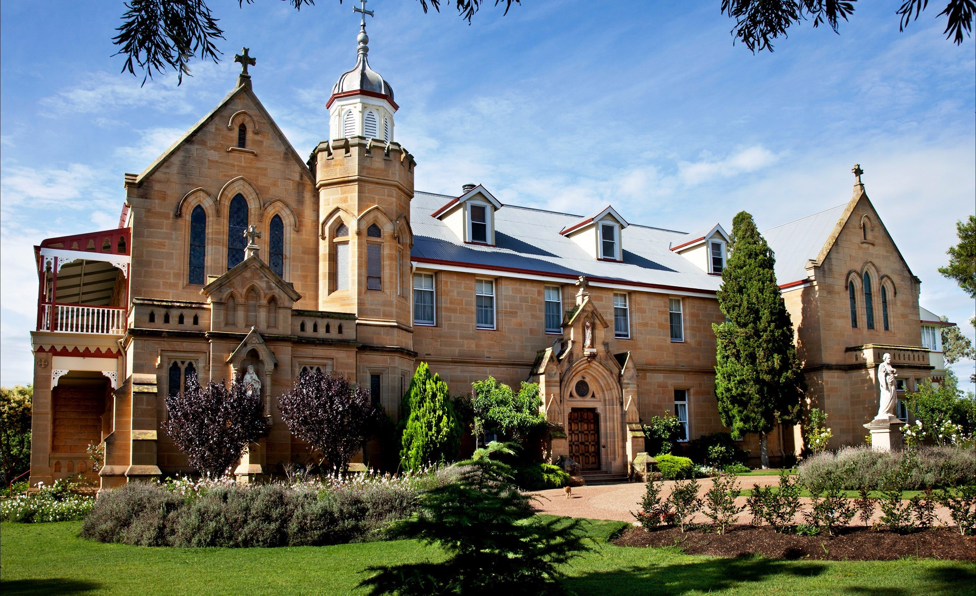 Abbey of the Roses - Tourism Brisbane