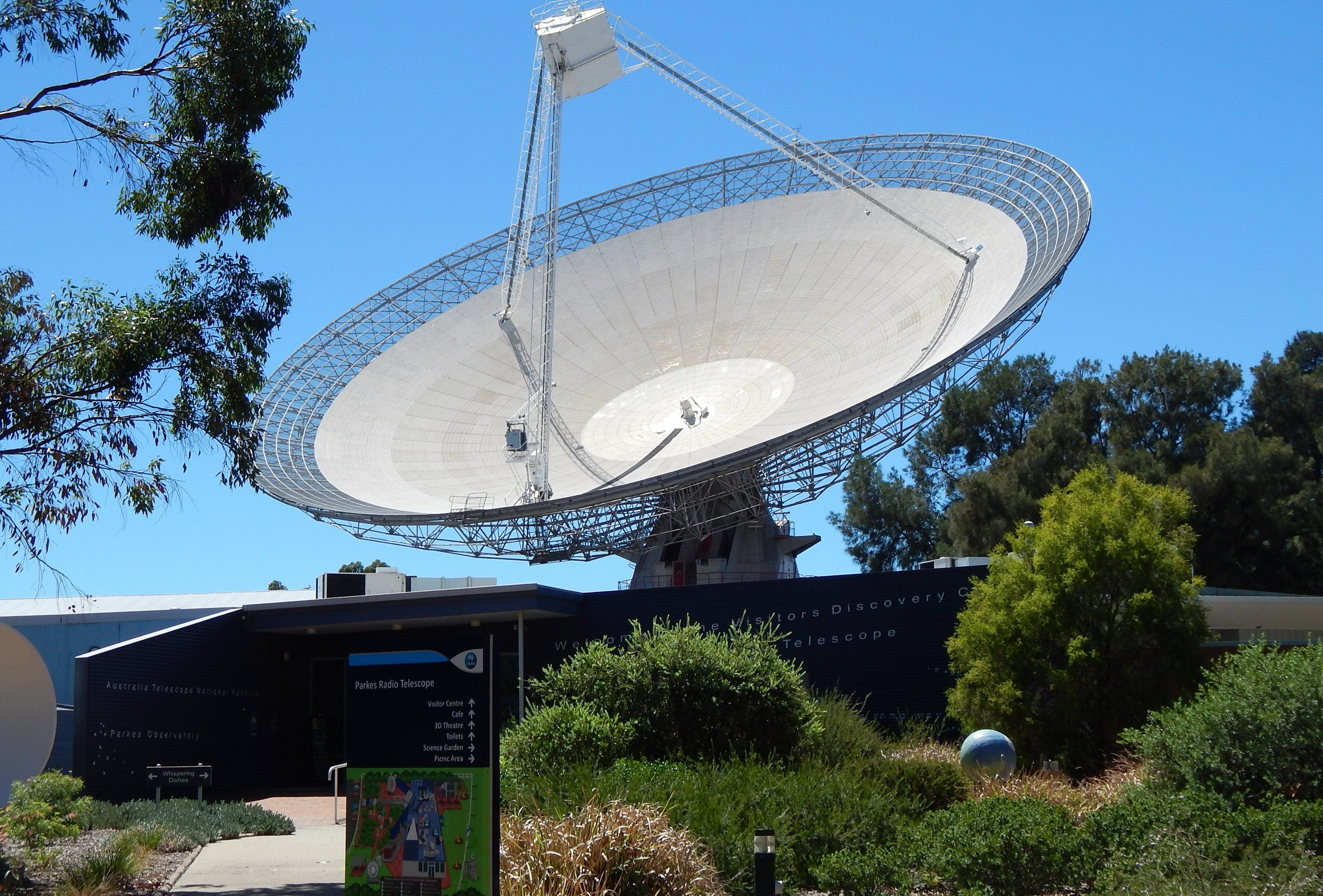 CSIRO Parkes Radio Telescope Visitor Centre - Tourism Brisbane