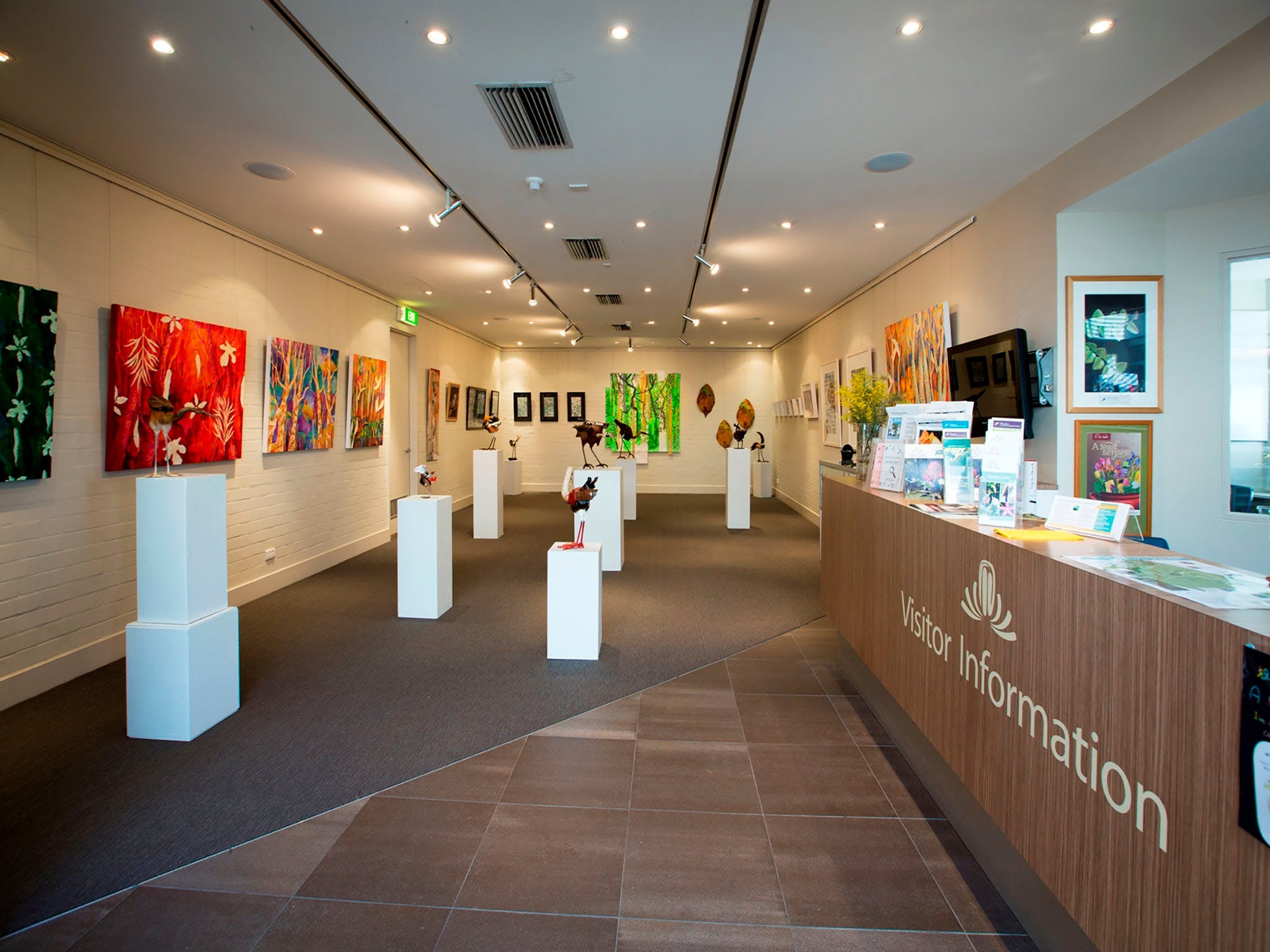 Australian National Botanic Gardens Visitor Centre Gallery - Tourism Brisbane