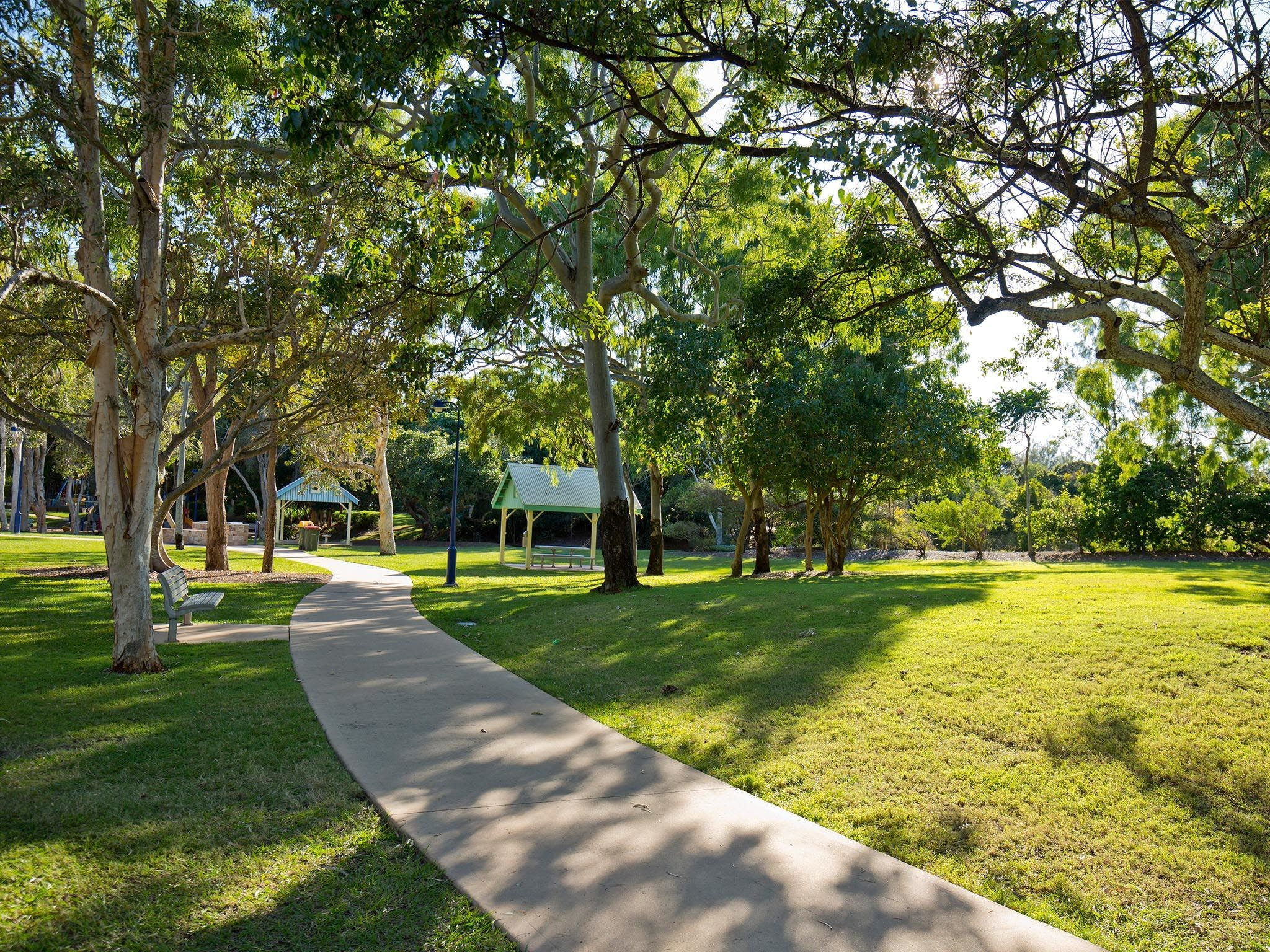 Millennium Esplanade and Tannum Sands Beach - Tourism Brisbane