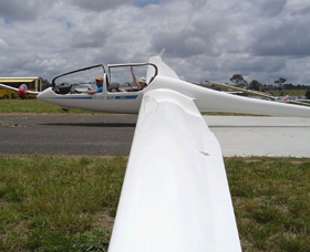 Bathurst Soaring Club - Tourism Brisbane