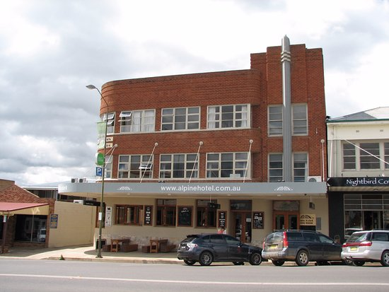 The Alpine Hotel Restaurant Cooma - Tourism Brisbane