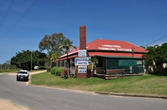 The Royal Hotel and Caravan Park Rosedale - Tourism Brisbane